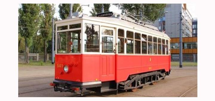 Zabytkowy tramwaj z okazji Dnia Dziecka