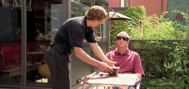 Szkolenia z obsługi osób niewidomych w warszawskich restauracjach