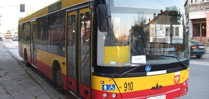 Na warszawskie ulice wyjechały używane białoruskie autobusy
