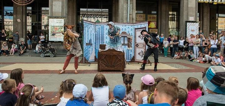 Spektakle plenerowe Teatru Polonia i Och-Teatru